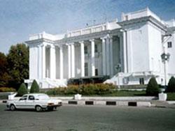 Театр оперы и балета им. С. Айни, Душанбе